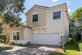 944 NW 126th Ter Coral Springs, FL 33071