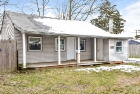8 Pine Walk Patchogue, NY 11772
