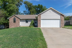 3914 Nw Cherry Creek Dr Topeka, KS 66618