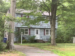 3 LANZ LN Ellington, CT 06029