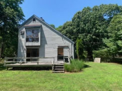 50 Manor Ln N East Hampton, NY 11937