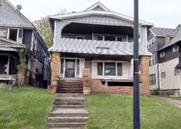 1828- 1830 STANWOOD RD East Cleveland, OH 44112