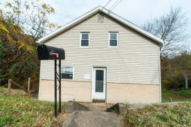 587 Stephens St Ambridge, PA 15003