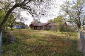 493 N ORANGE STREET Giddings, TX 78942