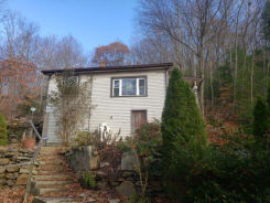 40 MAIDEN LN Seymour, CT 06483