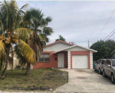 908 SW 2nd St Boynton Beach, FL 33435
