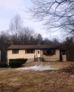 20 Pine Ridge Dr Leicester, MA 01524