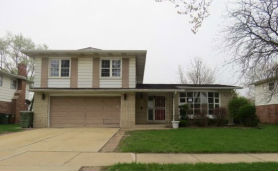 1028 W Nevada St Glenwood, IL 60425