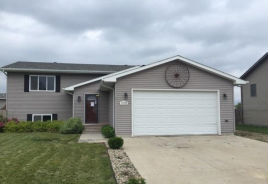 1002 15TH AVE SW Aberdeen, SD 57401