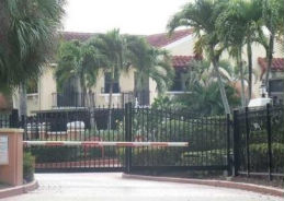 700 UNO LAGO DR APT103 North Palm Beach, FL 33408