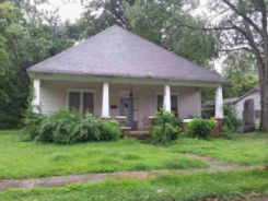 220 SUMMER ST Martin, TN 38237