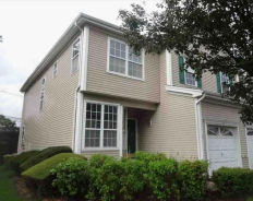 21 WOODS EDGE CT Parlin, NJ 08859