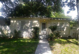 2416 18TH ST N St Petersburg, FL 33713