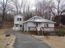 4 LAKE DR Stanhope, NJ 07874