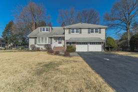 308 Country Club Dr Oradell, NJ 07649